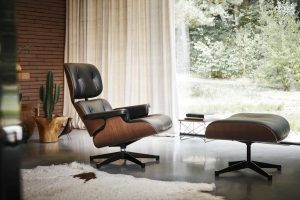 Vitra___Charles_&_Ray_Eames___Lounge_Chair___www.smow.com_